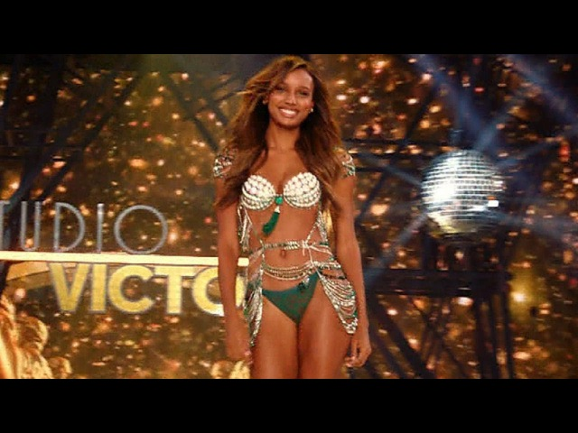 Victoria's Secret Fashion Show: Kung Fu Workout With Angels Jasmine Tookes and Josephine Skriver