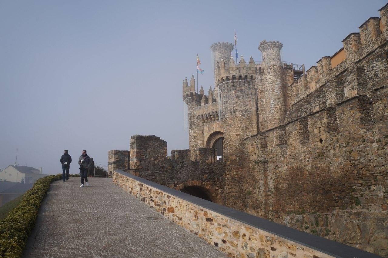Замок тамплиеров в Понферраде