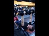 тренируем грудные мышцы