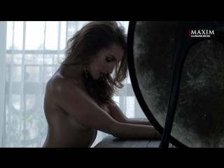 Софья Каштанова в фотосессии для журнала Maxim Россия (2017) 1080p