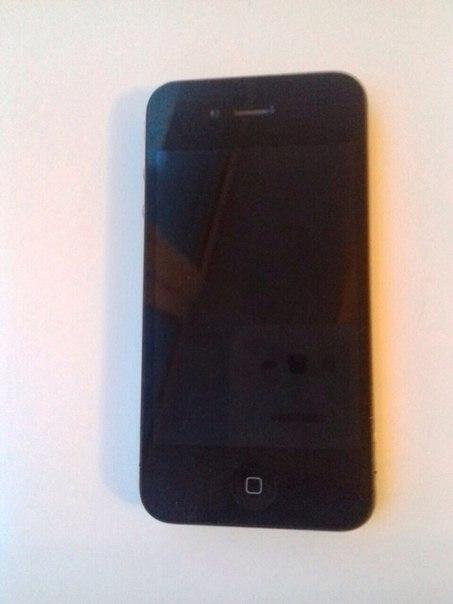 Продам iphone 4 на 8 gb В хорошем состоянии 📲 5000