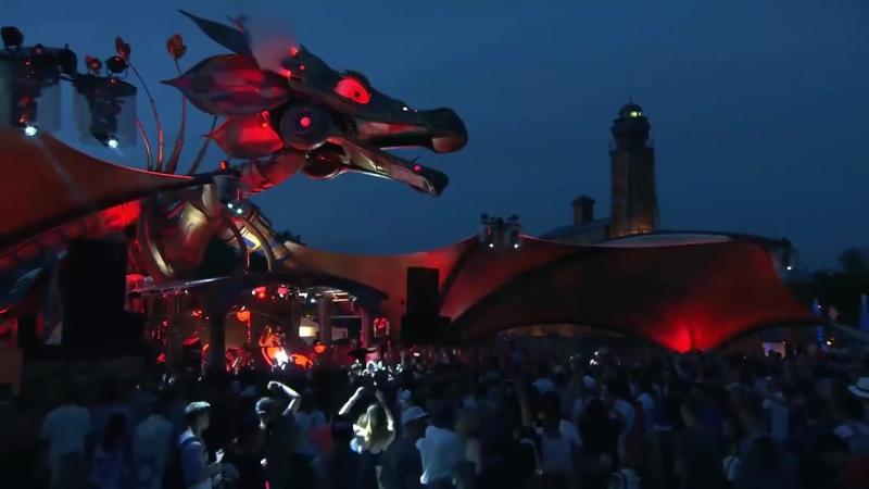 Krewella @ Tomorrowland 2017 [Viktor Ostrovsky]