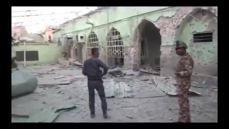 Иракские солдаты в освобождённой мечети Аль-Вадоуд. Старый Мосул.
