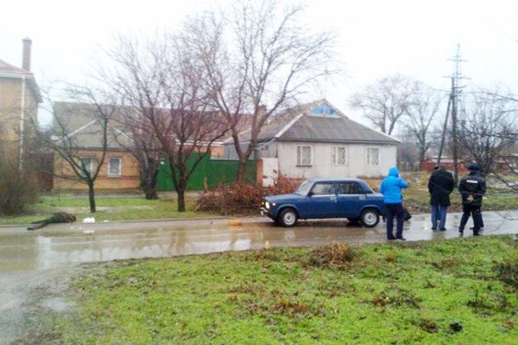 В Таганроге сотрудник полиции насмерть сбил пожилую женщину