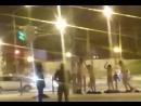 Голые мужчины и женщина занялись гимнастикой на улице