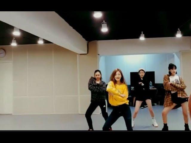 [Pristin] 연습실 에피중 Peek-A-Boo ,LIKEY, 귀를기울이면, WekiMeki 청하,블핑노래 댄스 타임