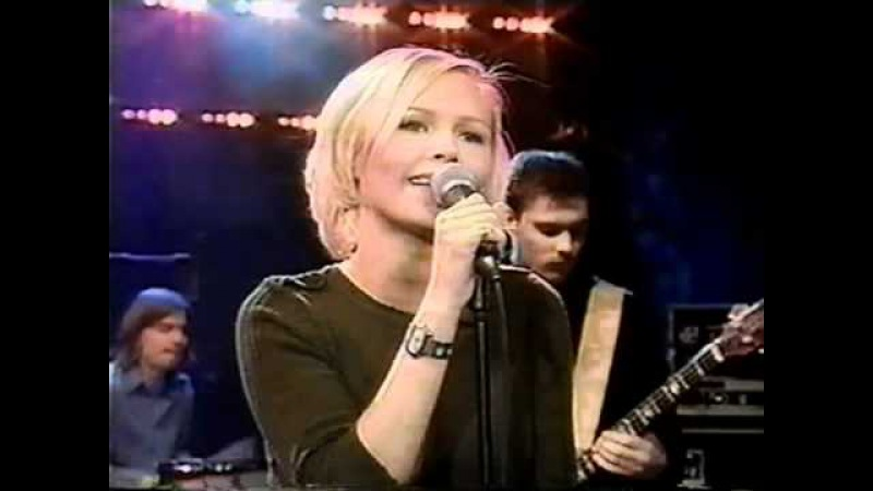 The Cardigans on The Rosie O'Donnell Show (Lovefool) January 30, 1997