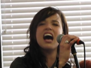 Halestorm -- All I wanna do is make love to you (acoustic Heart cover)
