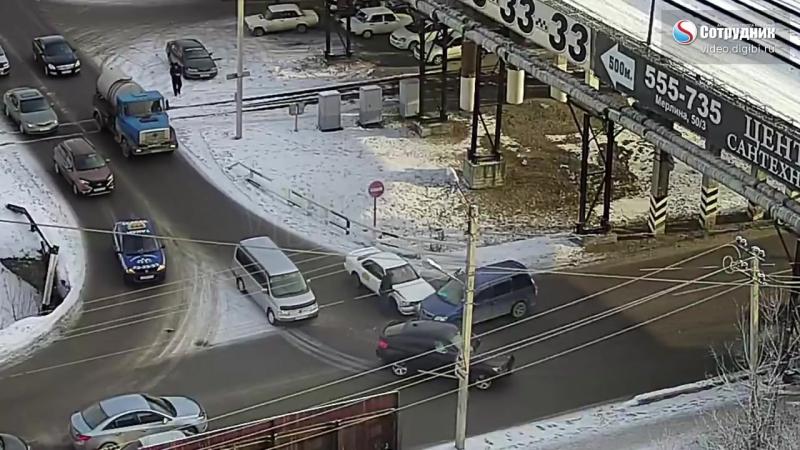 ДТП Бийск на перекрестке ул. Мерлина - Трофимова 5.12.2017