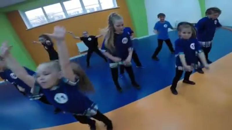 Академии Современного Искусства и Танцевальной Терапии прокач с Сашей Ошкиным