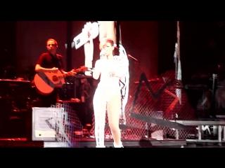 Когда твой концерт перестал быть твоим (Rihanna & Eminem - Love the Way You Lie)