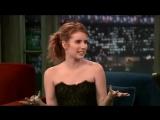 Emma Roberts au Late Night de Jimmy Fallon le 7 octobre 2010