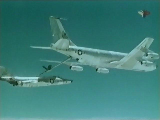 Знаменитые самолеты: Boeing KC-135 Stratotanker (Boeing 707) (фильм 34)