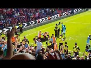 Победный гол Ман Сити и стычка фанатов и игроков со стюардами. БOPHMУT - MAHЧECTEP CИTИ 1:2