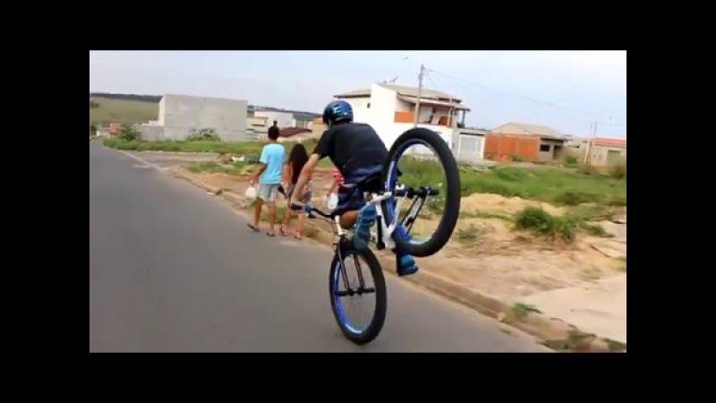 He do wheelie on front wheel about kilomet