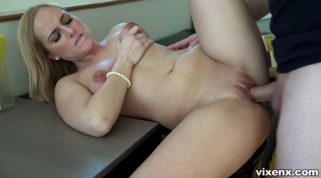 PropertySex – Kate England – Looking For Agent