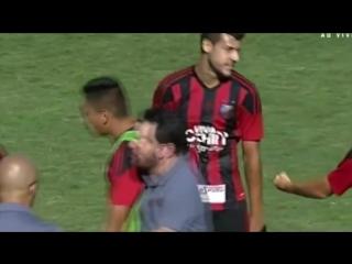 Гол из своей половины поля в бразильском футболе