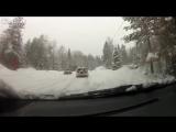 Вот что бывает, если не соблюдать дистанцию на заснеженной дороге. Осторожно, в видео присутствует норвежский мат)