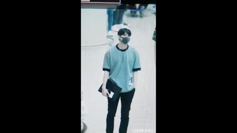 170812 Incheon airport, go to Taiwan VIXX LEO