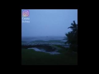 Штормовой отлив у острова Ки Ларго, Штат Флорида, США
