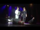 Моя любимая мамуличка и наш любимый певец Артур Руденко.Спасибо огромное,за песни и искренние , добрые слова ,они лечат)Спасибо,