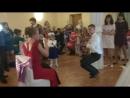 Свидетель танцует стриптиз