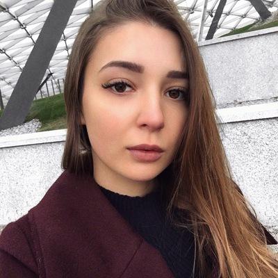 Лера Челышева