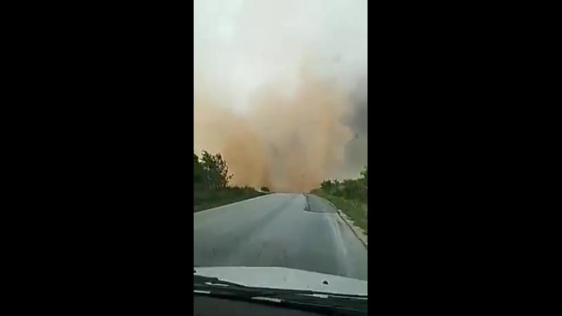 Мощный сухой шквал (Dry downburst) в Тимишоаре, Румыния. (17.09.2017)