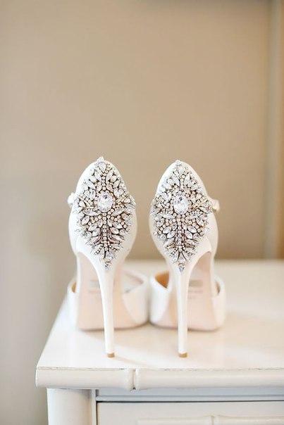 Ідеї взуття для наречених комфортного