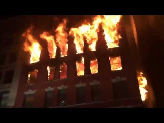 FDNY RESPONDING TO BATTLING MASSIVE 6 ALARM FIRE ON W. 17TH ST. IN CHELSEA AREA OF MANHATTAN, NYC.