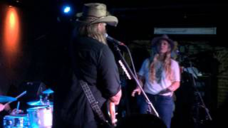 Chris Stapleton Tennessee Whiskey May 5th 2015 NYC album release show .... voice CMA ACM CMT MTV