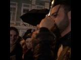 Константин Гецати прибывает на награждение.