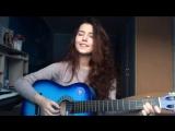Красивая девушка классно поет и играет на гитаре ♫