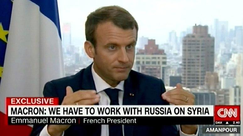 Макрон: Франции приходится иметь дело с Россией