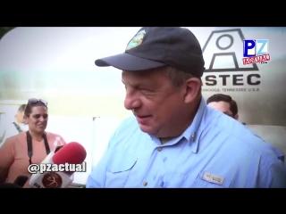 Гвозди бы делать из этих людей: Президент Коста - Рики во время интервью проглотил осу, поморщился, запил водой и продолжил разг