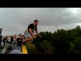 Такой вот веселый прыжок)))