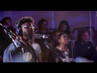 Snarky Puppy feat. Chris Turner - 'Liquid Love' (Family Dinner Volume Two)