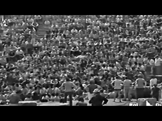 Gigliola Cinquetti-Sciur padrun da li beli braghi bianchi-1971(Anfiteatro di Gubbio)