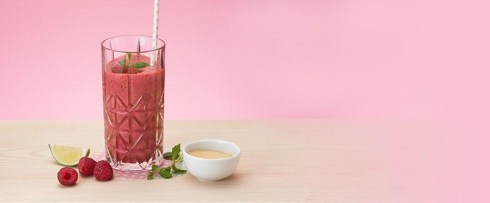 Освежающий ягодный коктейль: делаем малиново-мятный смузи