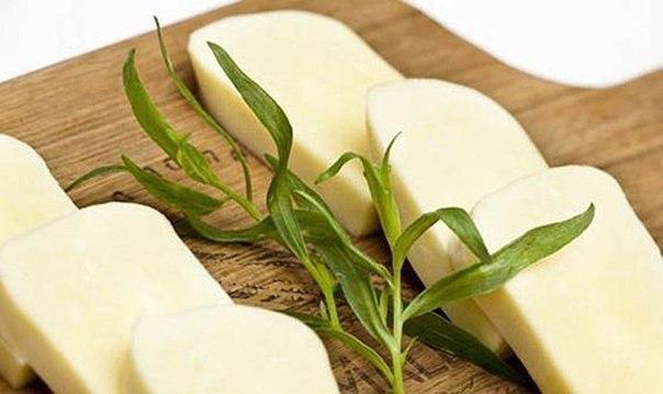 Низкокалорийный сыр собственного приготовления.