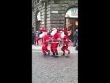 Рождественское веселье на улицах Стокгольма