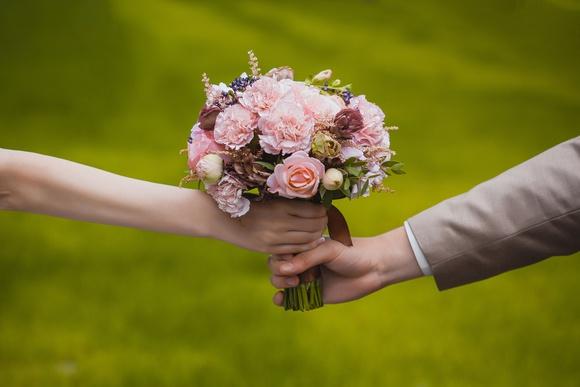 Свадебные букеты для молодоженов в подарок 31
