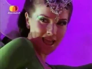 Monita haciendo trapecio - Natalia Oreiro