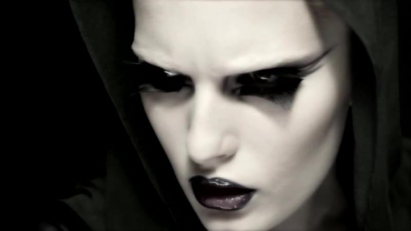 Украинская модель Алла Костромичева в рекламе MAC