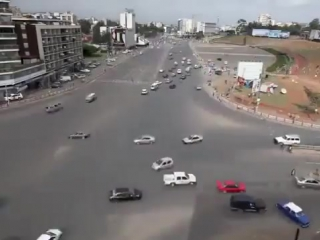 Как у них это получается? Перекресток без светофоров в Эфиопии