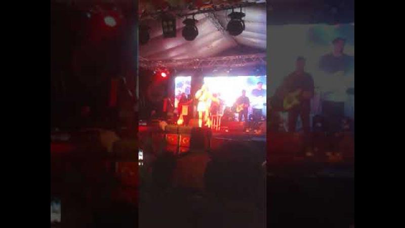 Aleyna Tilki - Sen Olsan Bari - Live Performans - Dalaman Festival 2017 - HD Video