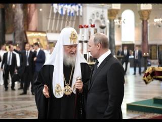Владимир Путин посетил Никольский собор Кронштадта