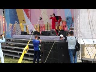 Выступление певицы Слава на Свенской ярмарке (г. Брянск) 2017 год