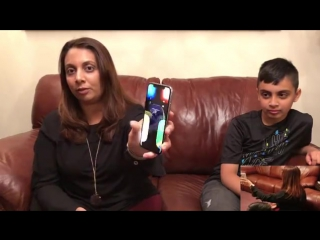 Ten-Year-Olds Face Unlocks Face ID on His Moms iPhone X