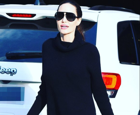 Анджелина Джоли напугала поклонников слишком худыми ногами
